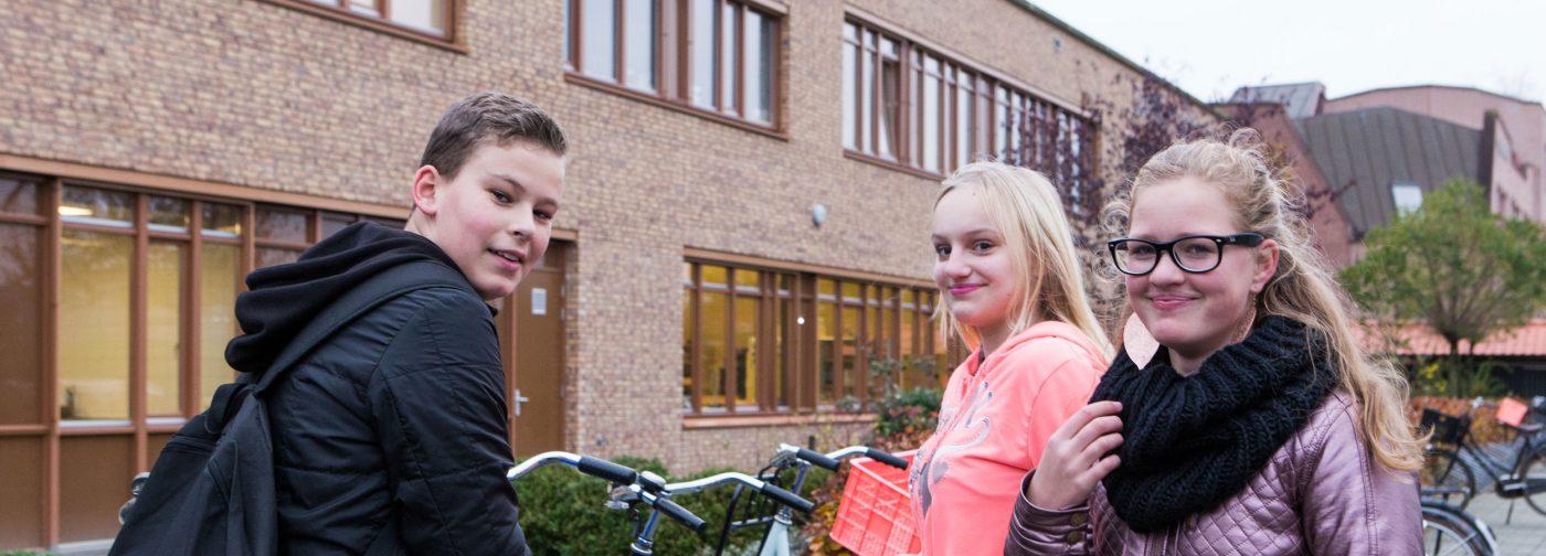jongeren buiten